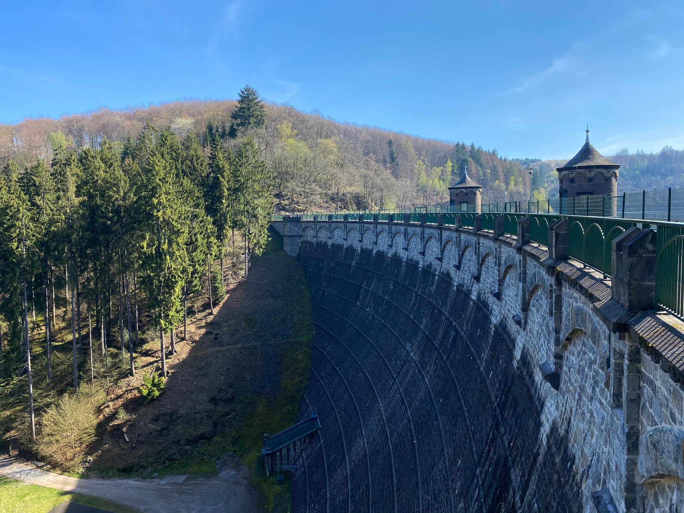Sengbachtalsperre in Solingen - Walk and Wonder