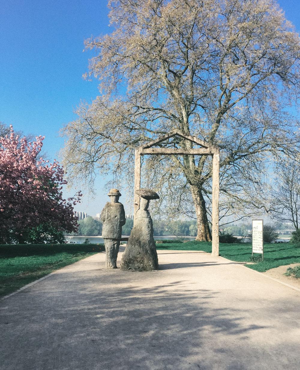 Schlosspark Stammheim Skulpturen - Walk and Wonder